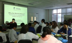 Dr Yuh Fen explaining the concept of genotyping to Kazakhstan students before the practical session.