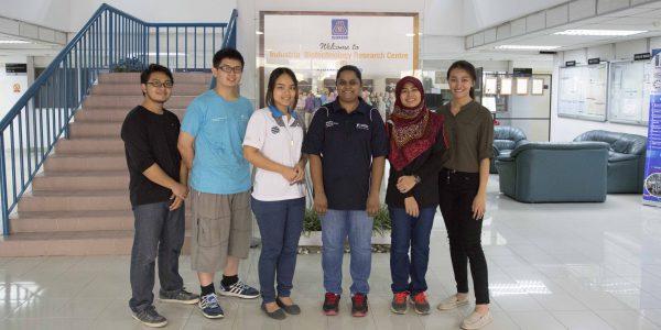 From left to right: Muhd Asyraf Amnan, Khoo Chee Chang, Dr Goh Kar Mun (GreenPlant Organics Sdn Bhd), Dr Christina Supramaniam (CESPOR, UNMC), Nur Izzati Ridzuan and Alice Lee Wan Theng.
